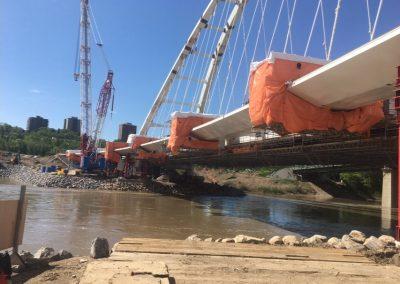 bridge-scaffolding-enclosed